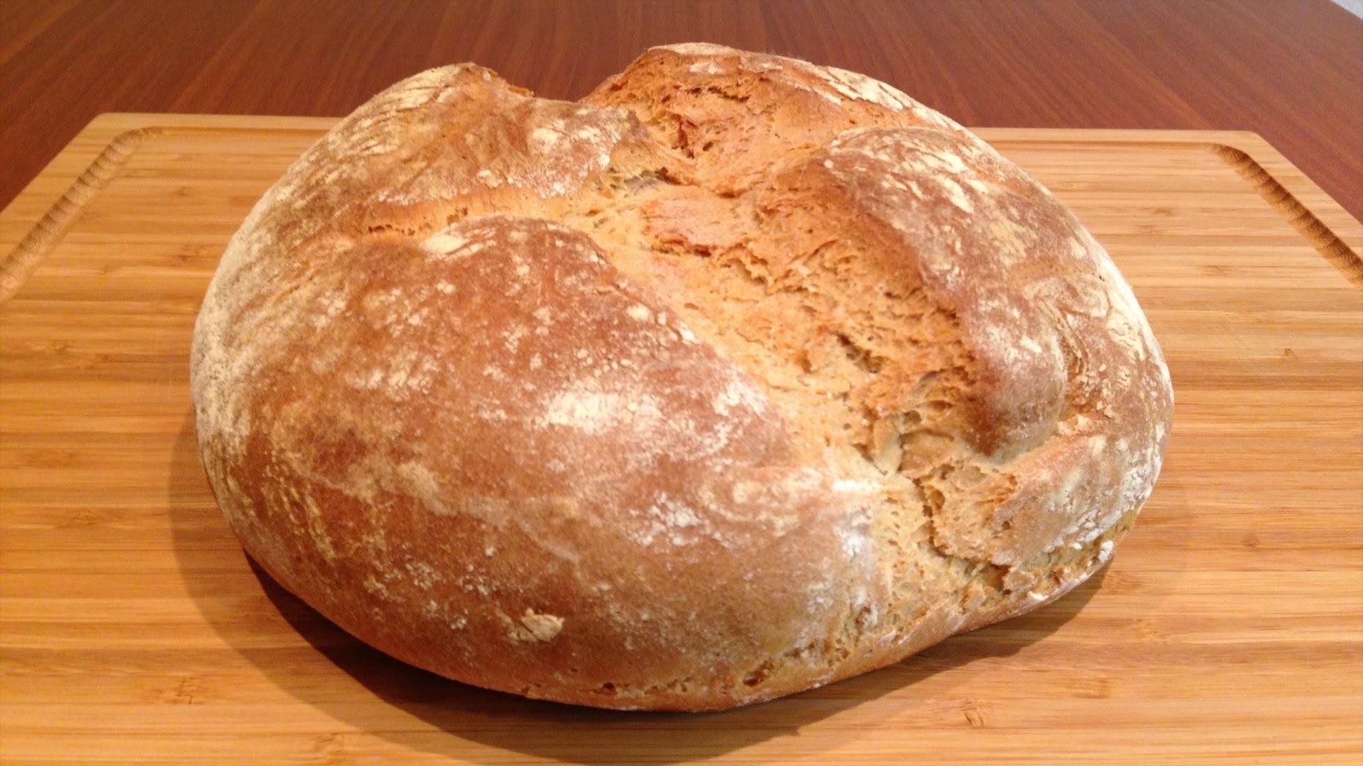 Хлеб является фундаментом и универсальной пищей, поэтому сон трактуется именно так.